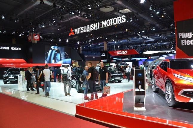 © MotorNews kw_Pariser Automobilsalon 2014 / Messestand Mitsubishi