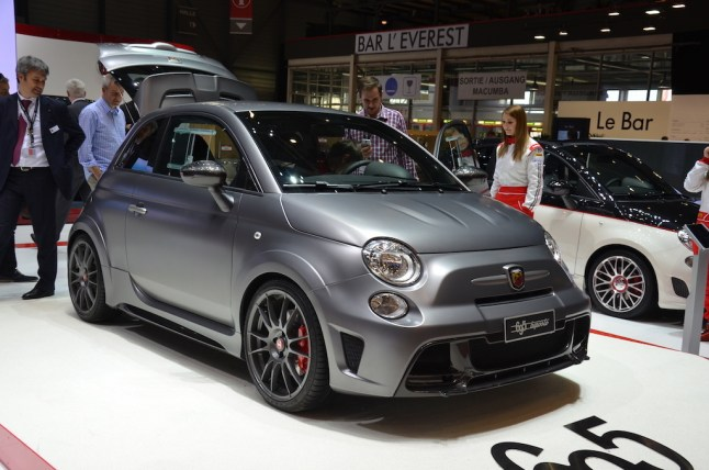 © MotorNews kw / 85. Auto-Salon Genf 2015 / Abarth 695 Biposto