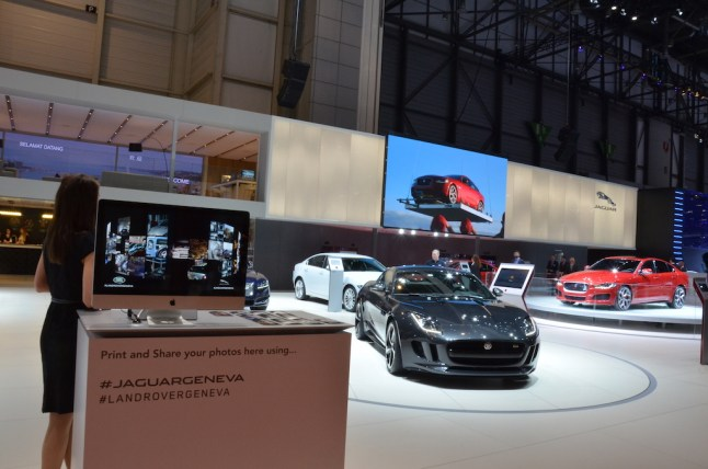© MotorNews kw / 85. Auto-Salon Genf 2015 / Jaguar Messestand