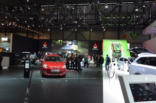 © MotorNews kw / 85. Auto-Salon Genf 2015 / Mitsubishi Messestand