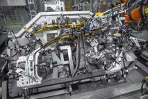 © BMW Group / BMW Group Werk Dingolfing, Produktion BMW 7er Reihe - Karosseriebau: Leichtbau, intelligenter Materialmix (06/2015)