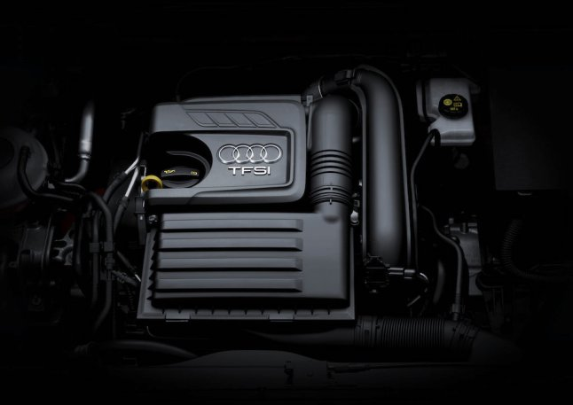© Audi AG / Der neue Audi Q2 / Engine compartment, TFSI