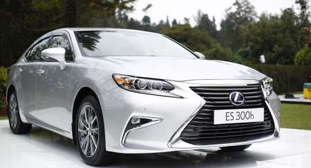 Lexus ES 300h First Drive Review : Modern Classic