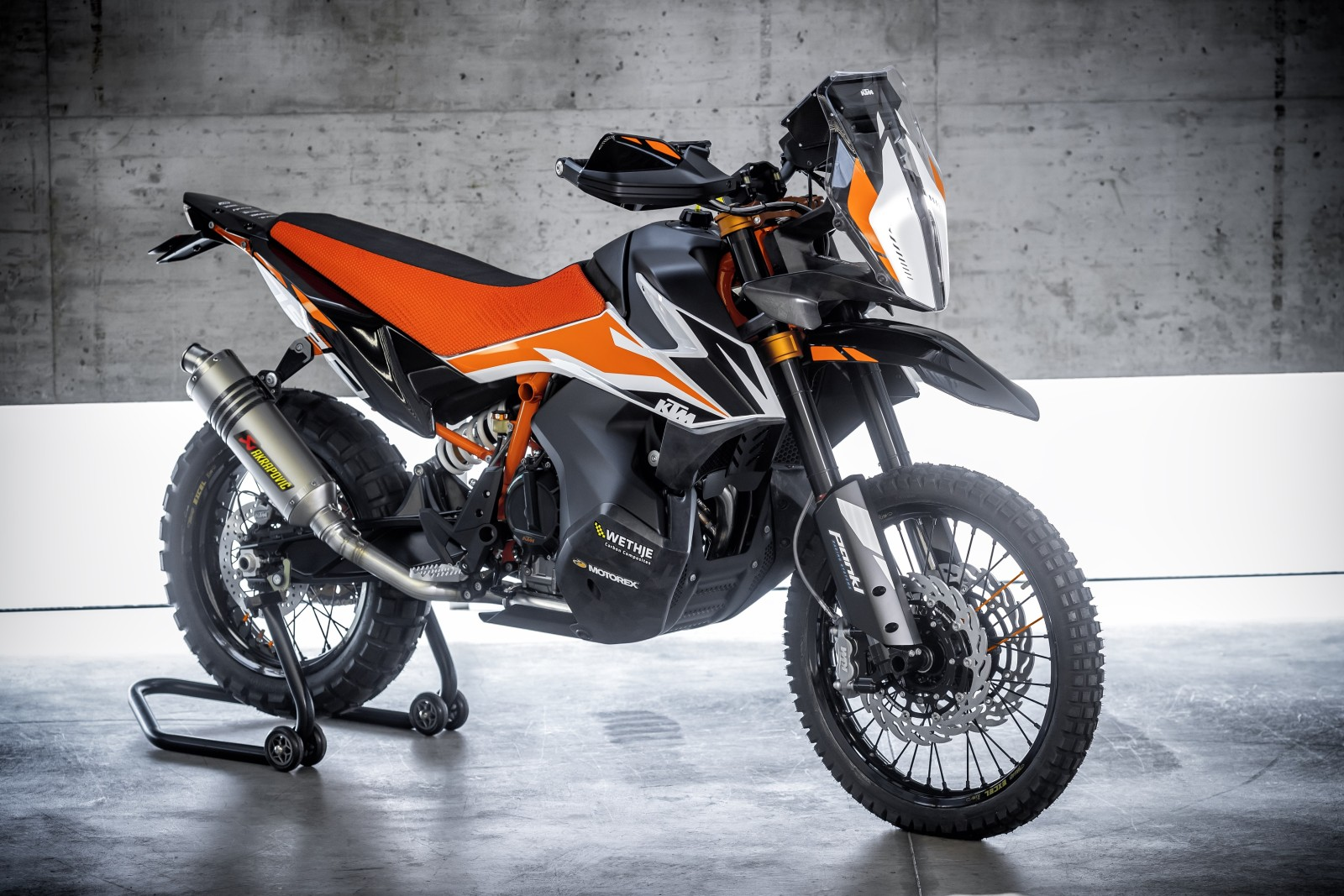 KTM-790-ADVENTURE-R-Prototype-Official-Image-1