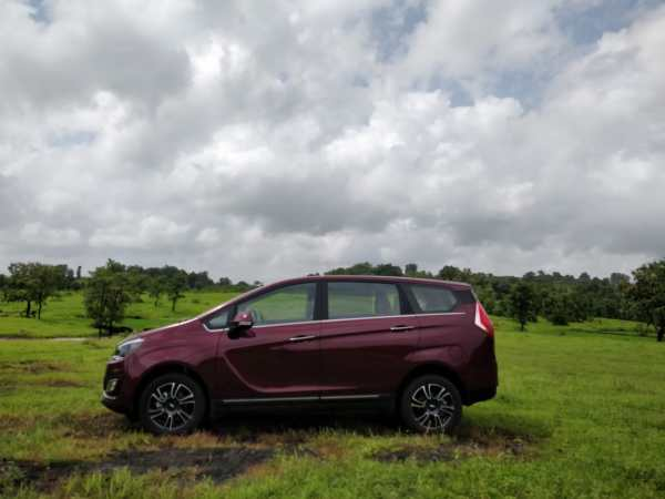 Mahindra Marazzo Launch side view