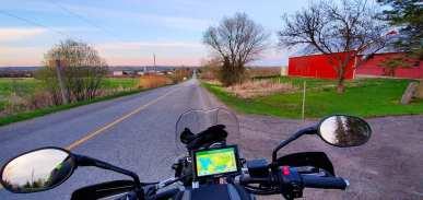 Undeva in Northtumberland County, Ontario cu Triumph Tiger 800XCx