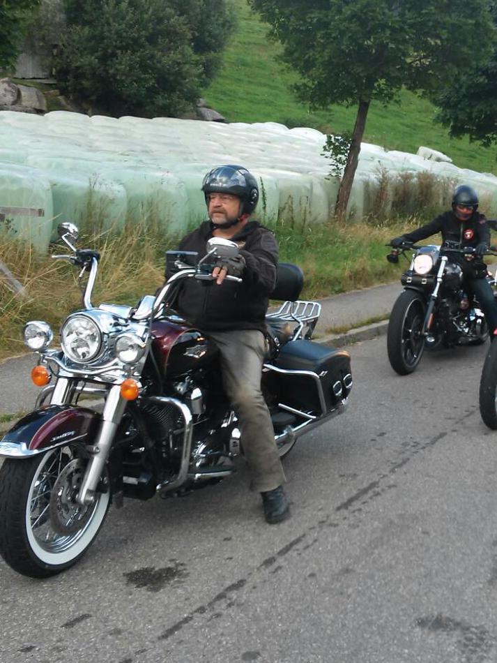SamstagsAusfahrt zum Raubtierhof in Lffingen bei Motorrad