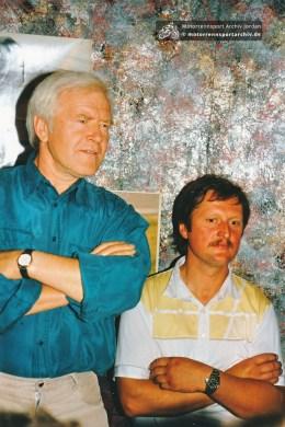 Wer ist der Zuhörer rechts neben Gernot Weser?