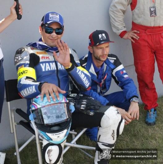 Der verletzte Max Neukirchner unterstützte Yamaha-Teamkollege Ivan Silva.