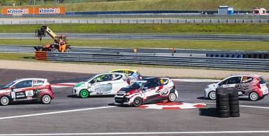 Die Rennen zum polnischen KIA Lotos Race boten sehenswerte Action für den Zuschauer und günstigen Motorsport für Einsteiger.