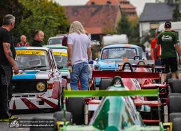 Erstmals seit fünf Jahren waren wieder Tourenwagen und Rennsportfahrzeuge in Frohburg unterwegs.