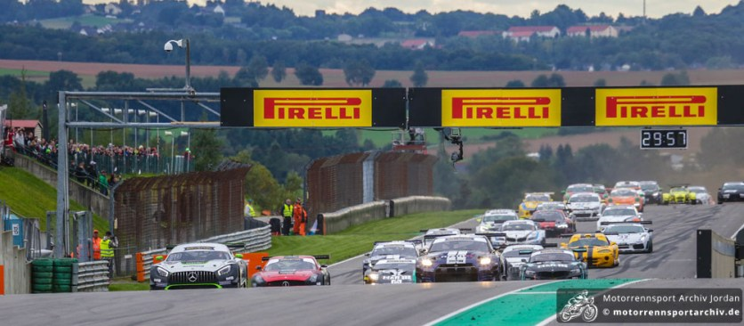 Start der Spezial Tourenwagen Trophy (STT)