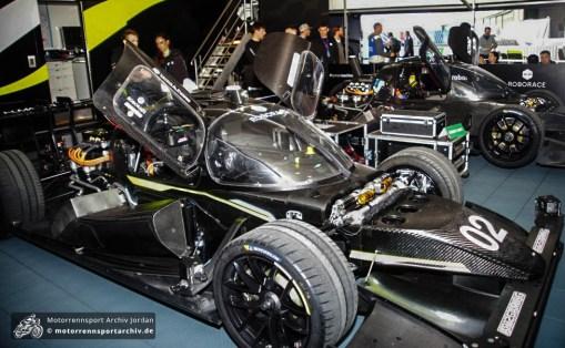 Beim Roborace traten selbstfahrende Rennfahrzeuge gegeneinander an
