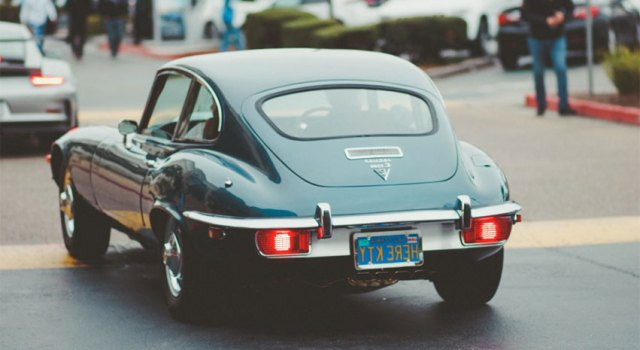calss - Two Top Advantages and Disadvantages of Investing in Classic Cars