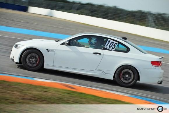 Weißer BMW M3 E92 Competition auf der Rennstrecke