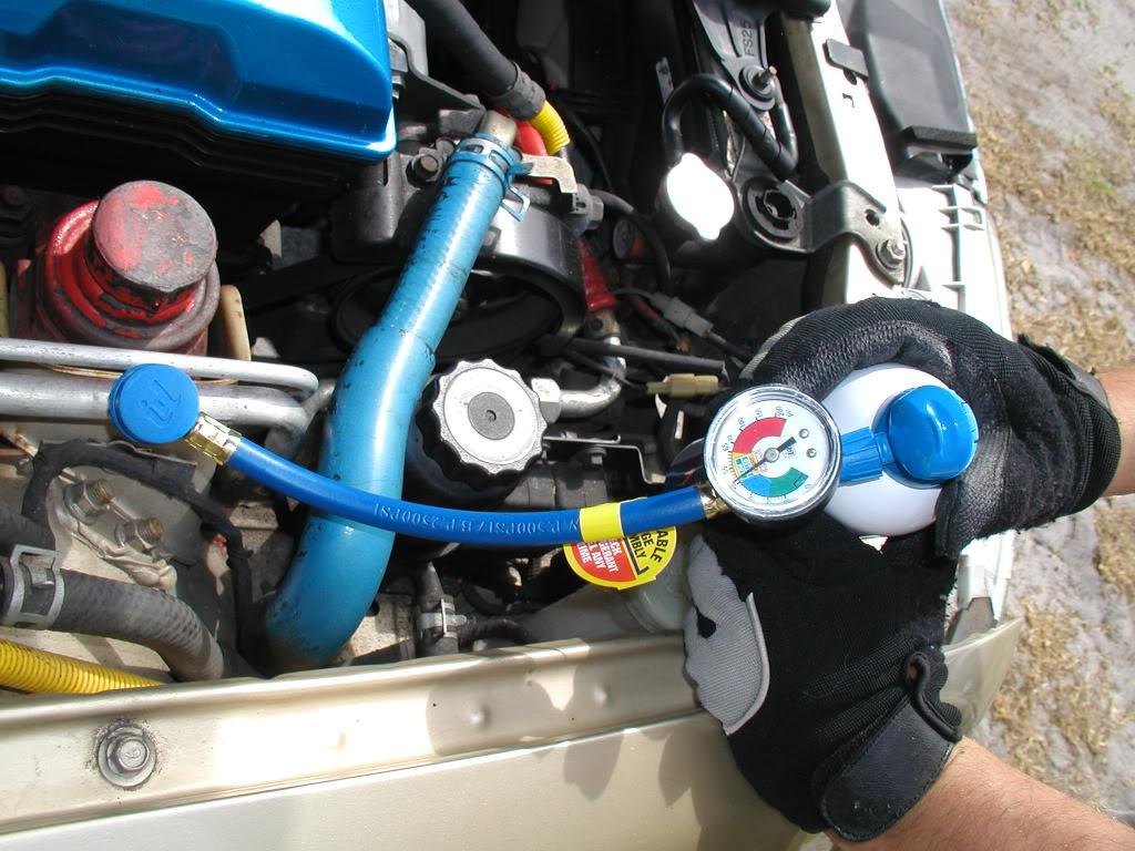 Como recarregar o ar condicionado do seu carro