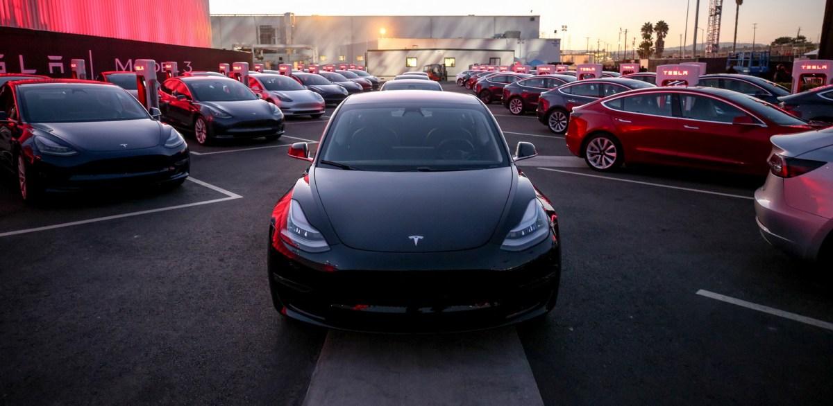Alguns Tesla Model 3 parecem ter problemas com chuva