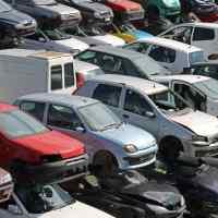 Incentivos para o abate de carros antigos poderão estar de volta.