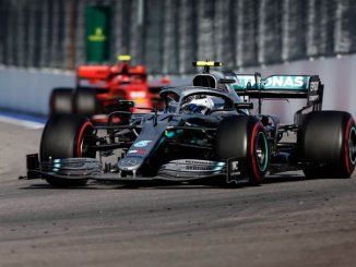 Bottas delante de Leclerc