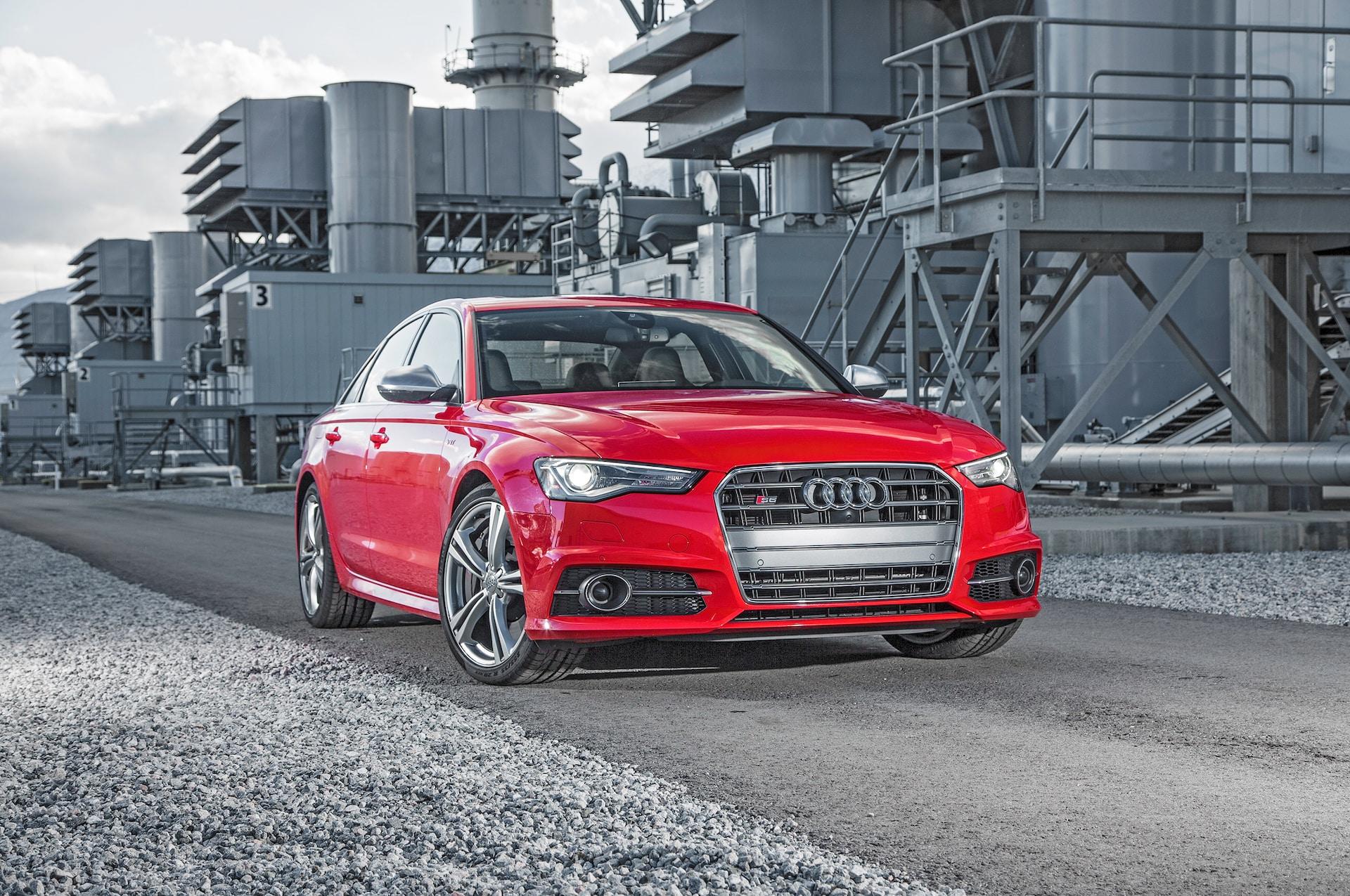 2016 Audi S6 40T Quattro front three quarter 02