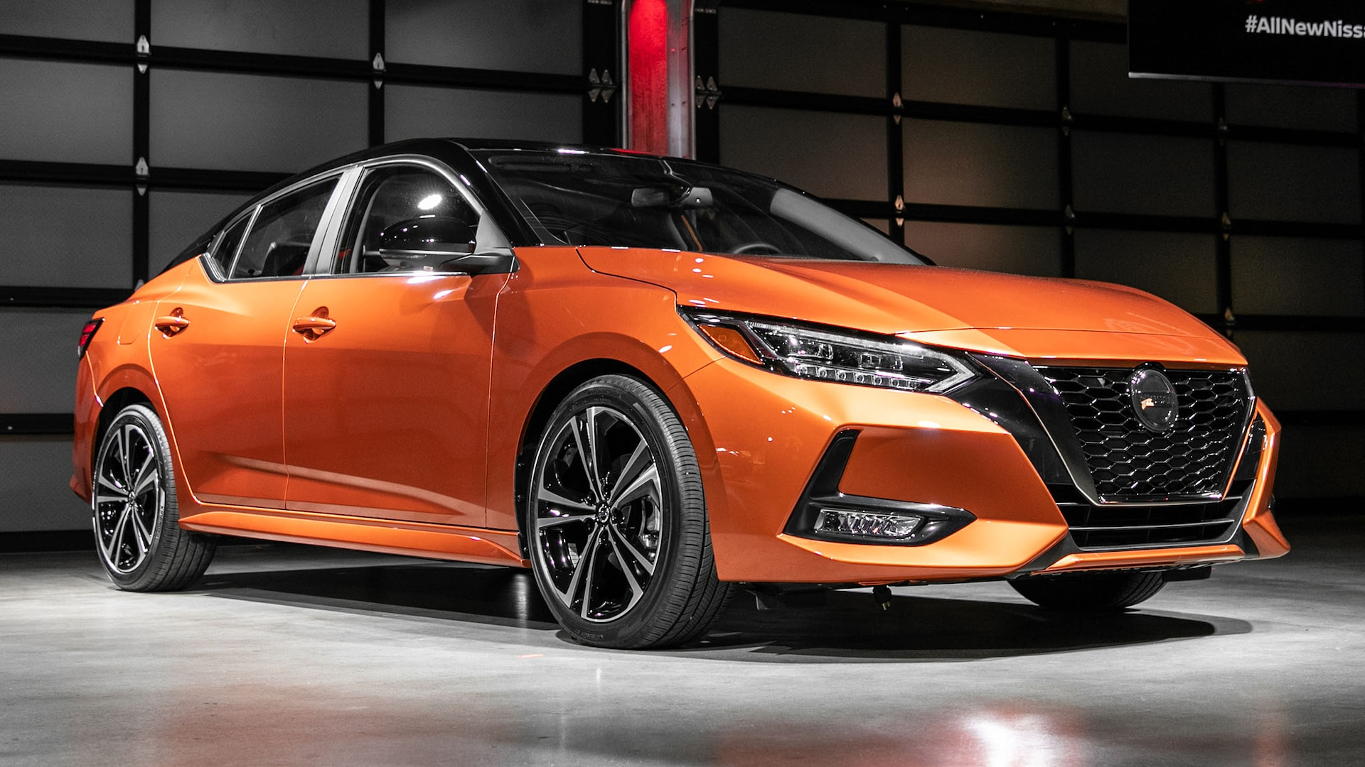 2020 Nissan Sentra First Look Compact Sedan Gets A Sporty Makeover Motor Trend