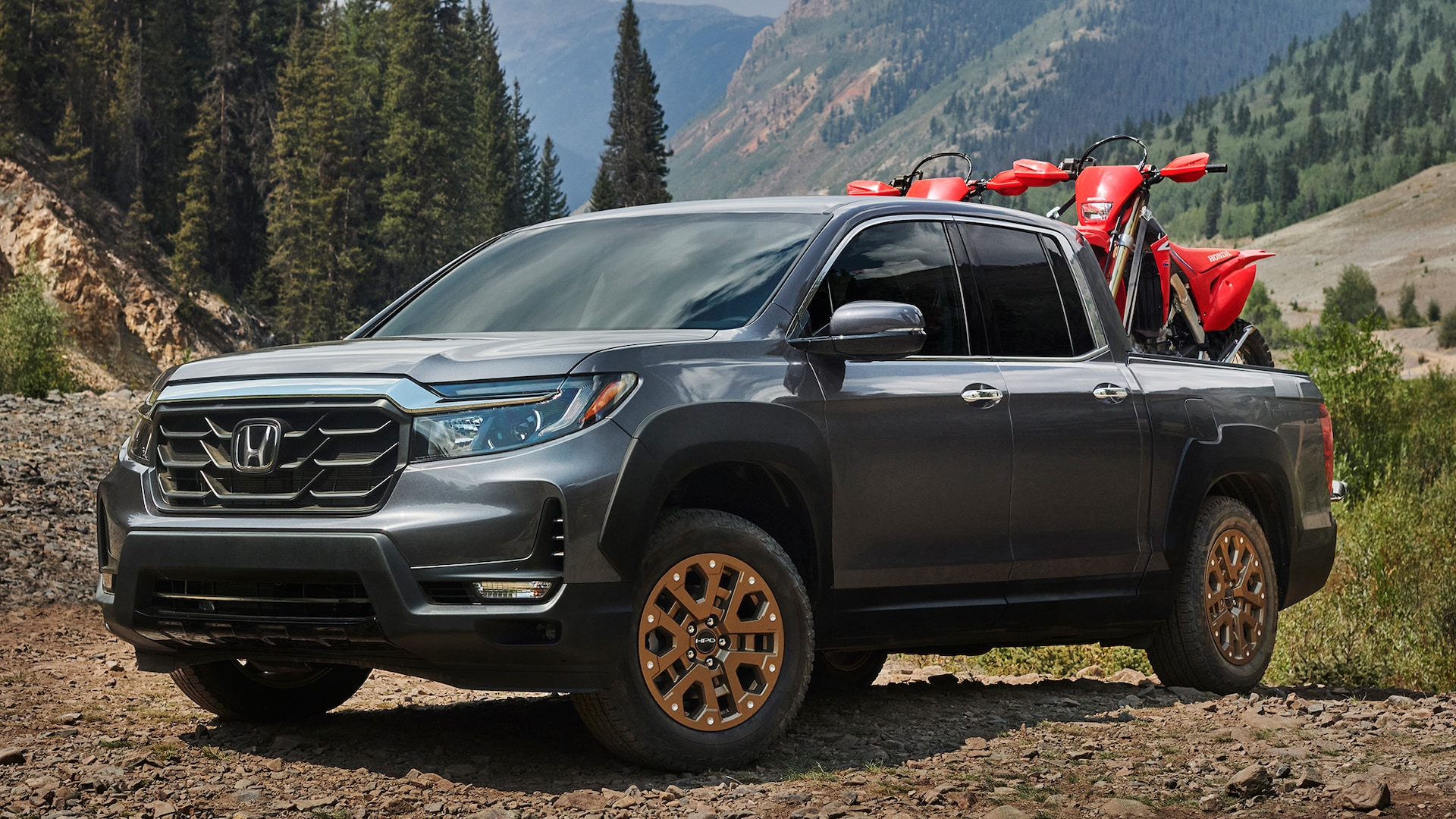 The honda ridgeline offers 33.9 cubic feet of cargo space in its truck bed with an additional 7.3. 2021 Honda Ridgeline Buyer S Guide Reviews Specs Comparisons