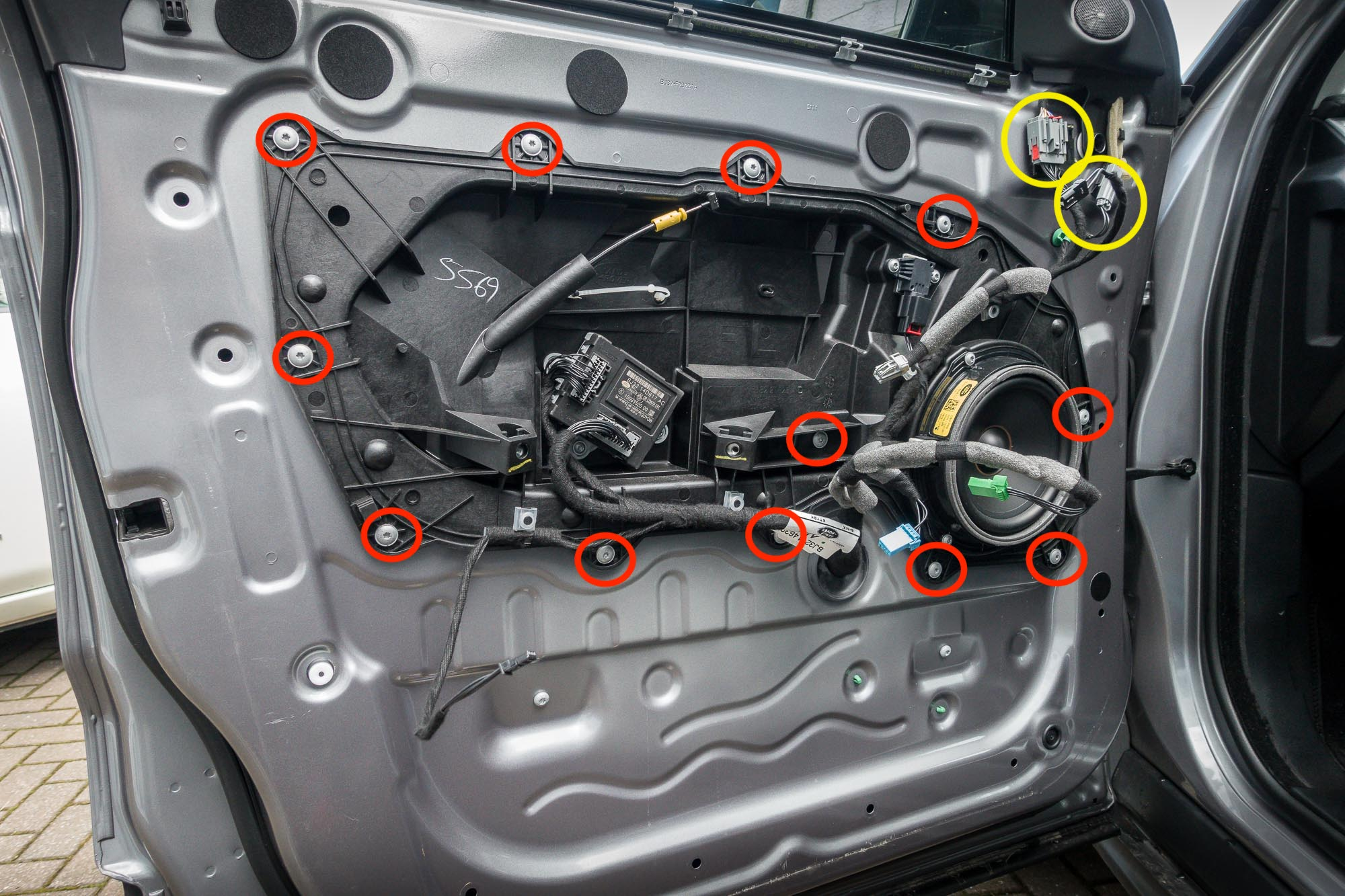 hight resolution of how to replace range rover evoque door locks 6