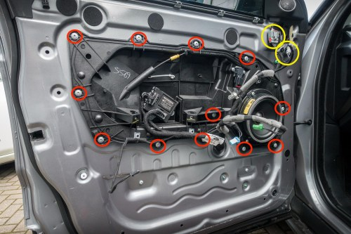 small resolution of how to replace range rover evoque door locks 6