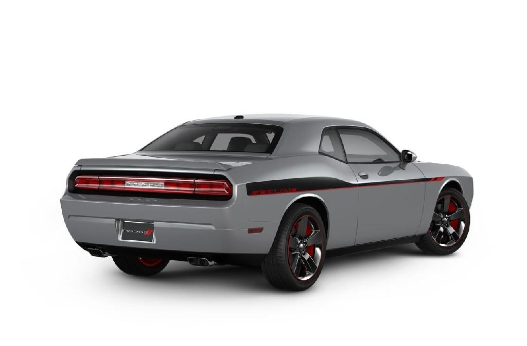 Black Dodge Challenger Redline 2013
