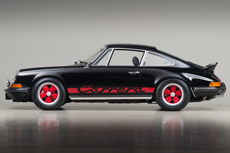 Black Porsche 911 Carrera RS Looks Divine