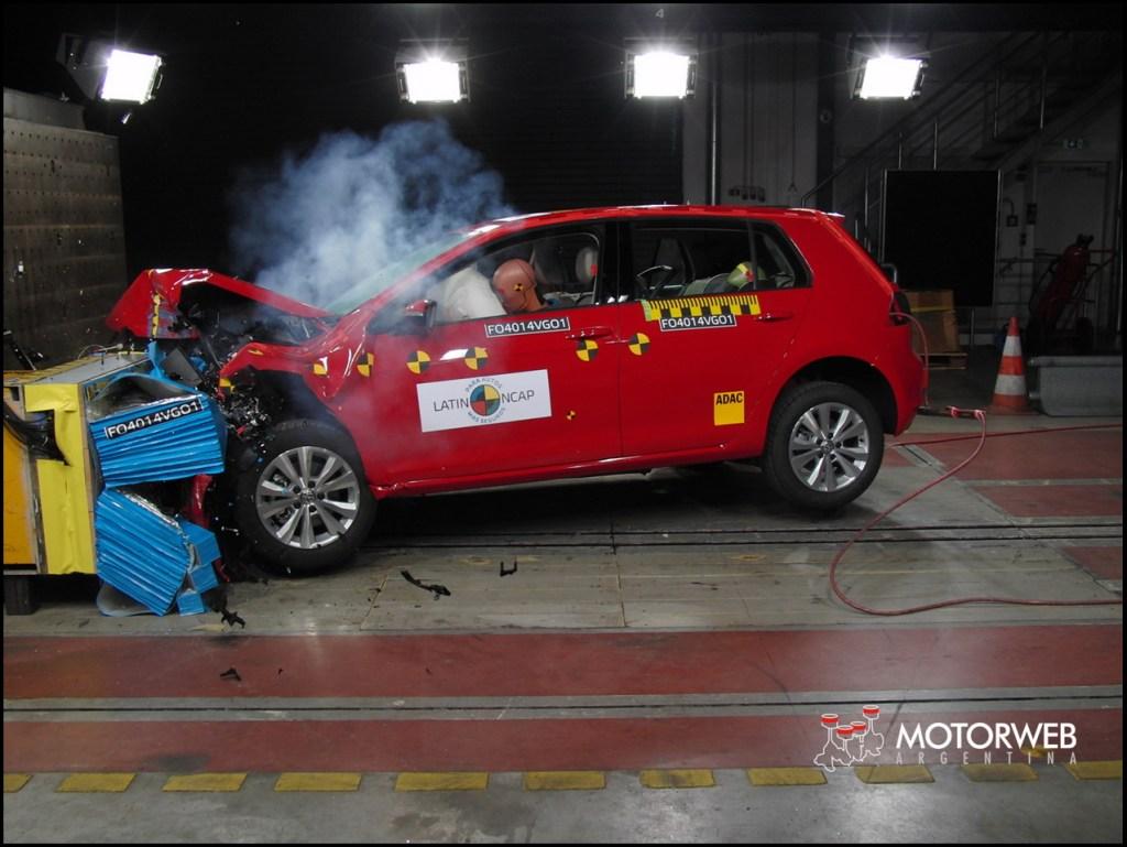 2014 Volkswagen Golf VII Latin NCAP 09