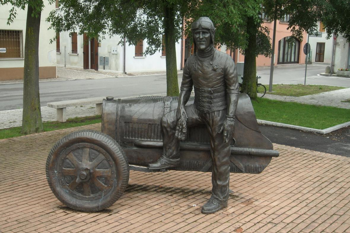 Castel dArio  Motor Web Museum