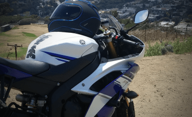 Shogun Motosports No Cut Frame Sliders on Yamaha R6