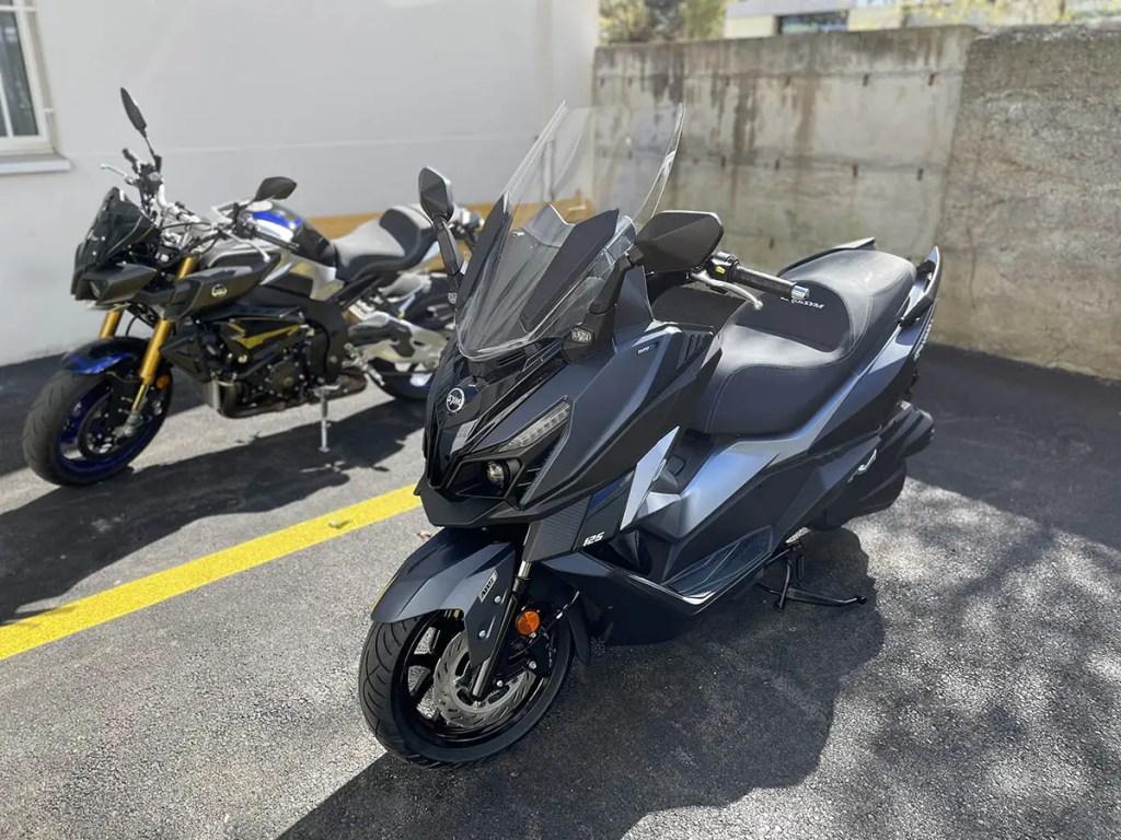 Sym Cruisym 125 VS Yamaha MT