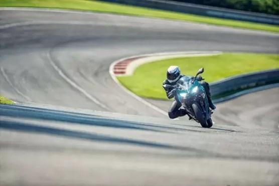 Kawasaki Ninja 400 ABS top speed