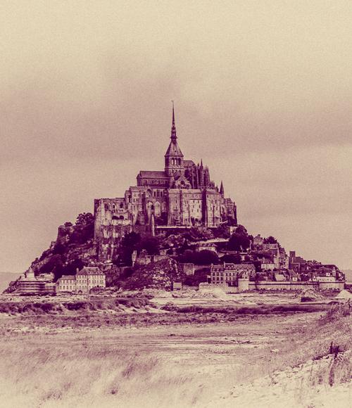 Vendre des coquilles à ceux qui reviennent du Mont-Saint-Michel [vâdre dé kòkij a sö ki revjèn dy mô sê miSèl]