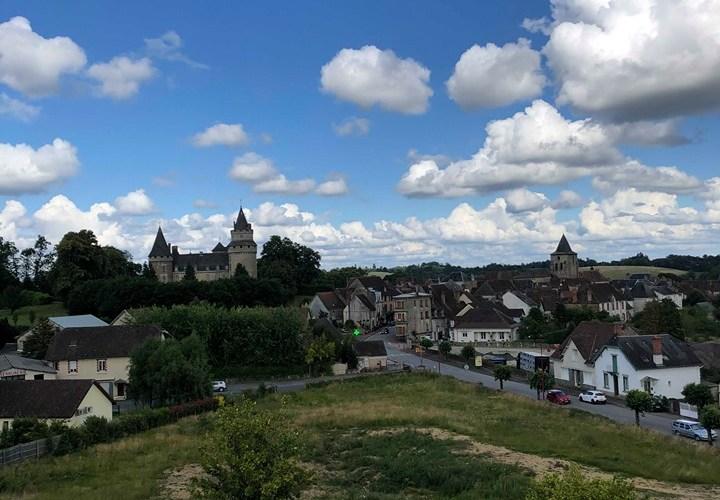 Vue sur le château de Coussac-Bonneval