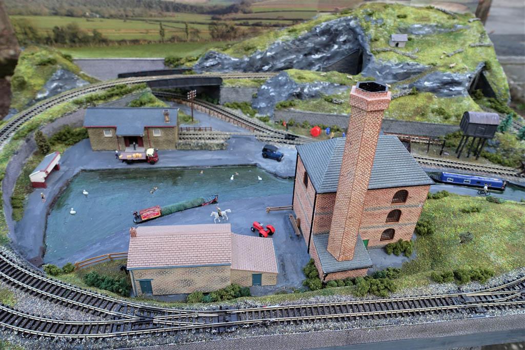 N gauge industrial layout 9