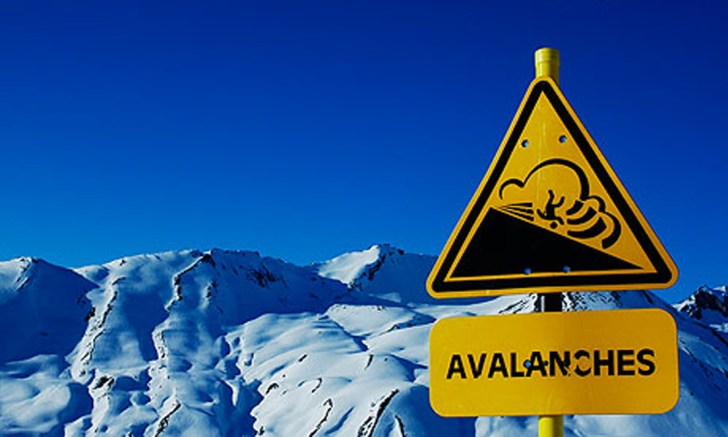 Danger-Avalanche-sign-in--006