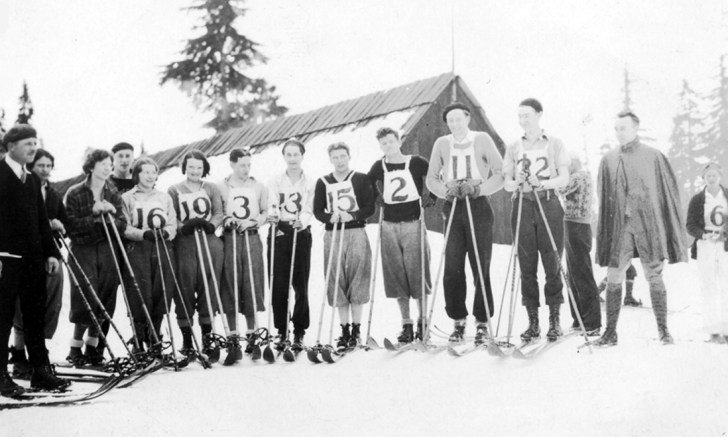 Cross-country ski racers near the Hollyburn Pacific Ski Camp Lodge at First Lake, Hollyburn Ridge, circa 1931/1932. Margaret Kippan is racer Number 19. (Margaret Ommundsen Collection)