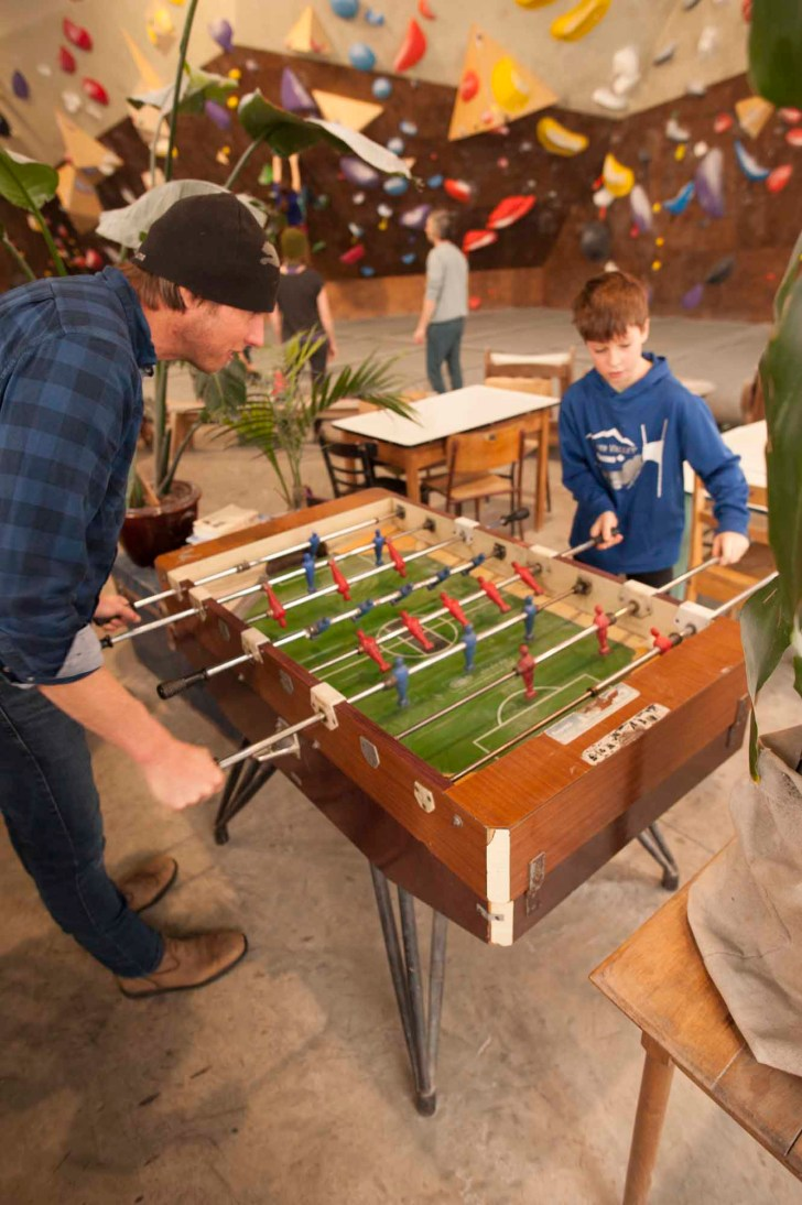 Pow-Immersion-Fathers-and-Sons-Quebec-Bro-down-Glen-Harris-lodge-foosball