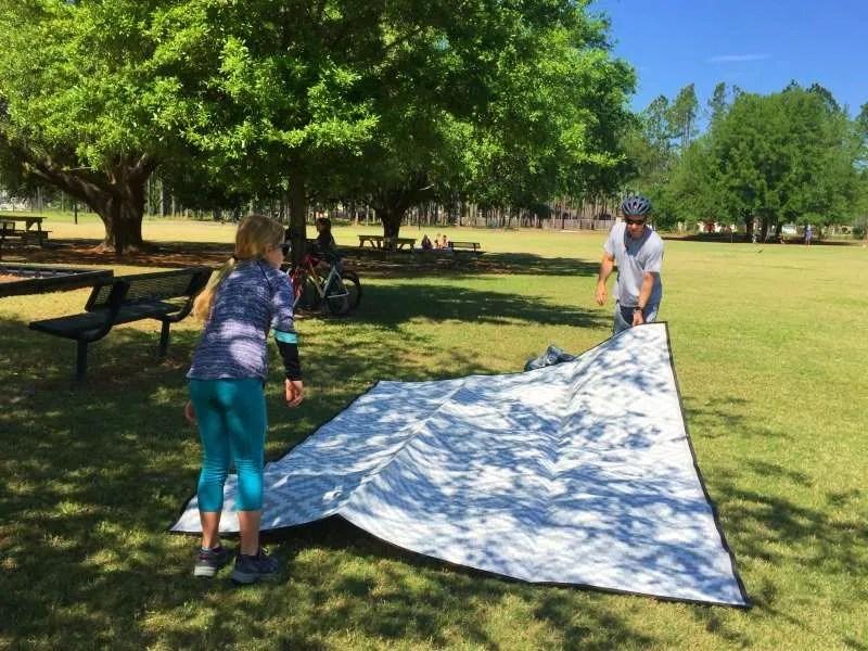 setting up mountain mat waterproof large picnic blanket mat