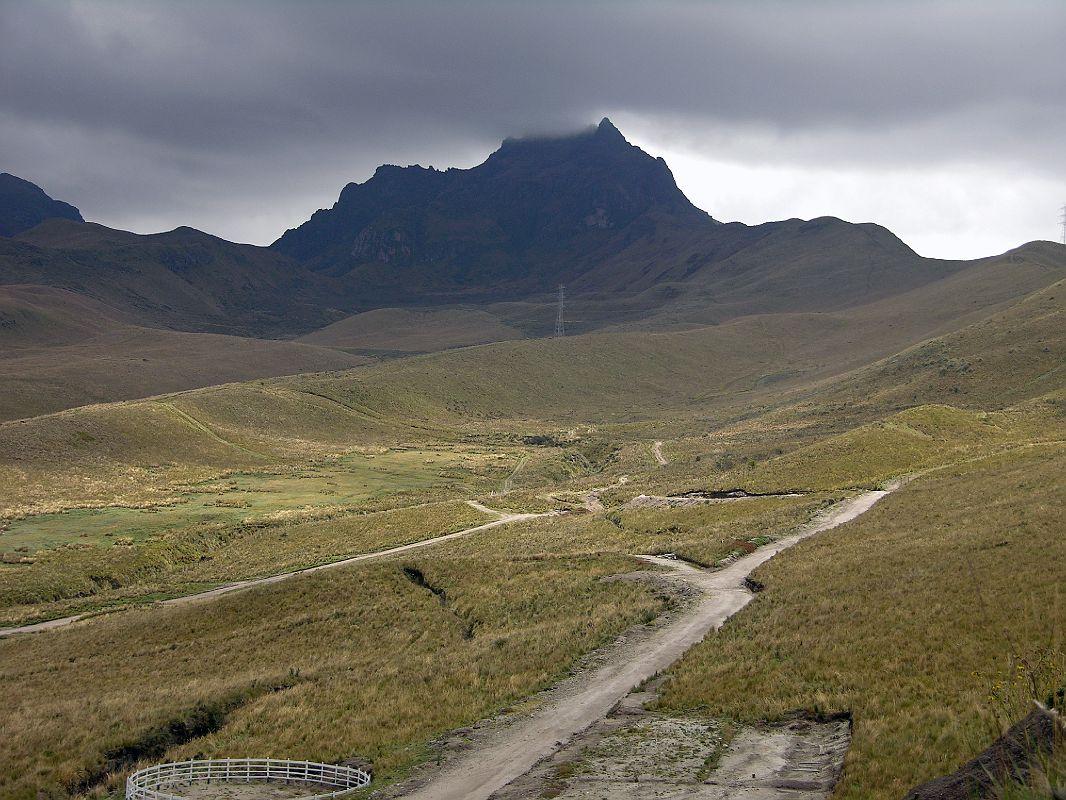 https://i0.wp.com/www.mountainsoftravelphotos.com/Ecuador%20Quito/Quito/slides/Ecuador%20Quito%2003-02%20TeleferiQo%20Ruca%20Pichincha.jpg