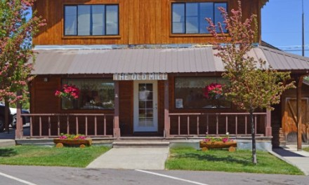 Mom's Old Mill Cafe – Downtown Westwood, 530-256-3315, 6 Mi. to Lake Almanor