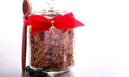 Easy Holiday Granola