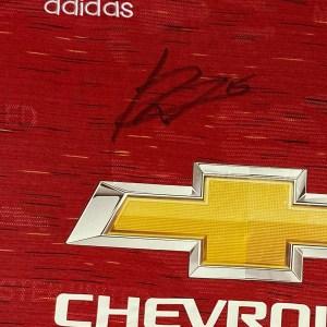 fernandes 20/21 autograph close up