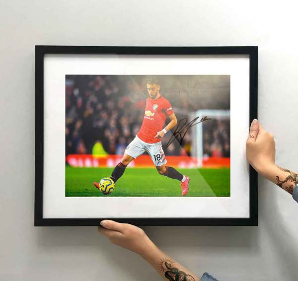 authentically-signed-bruno-fernandes-autograph-home