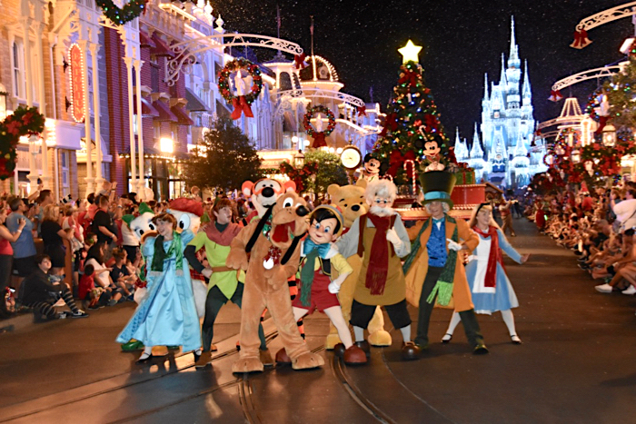 When Does Disney World Decorate For Christmas 2019