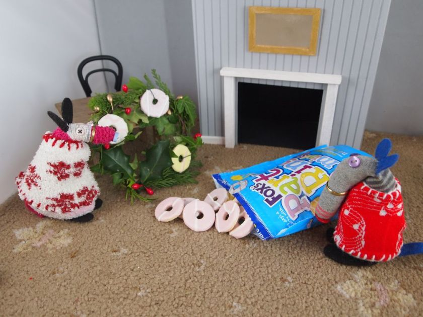 Matilda has added some mini party ring biscuits to the wreath.