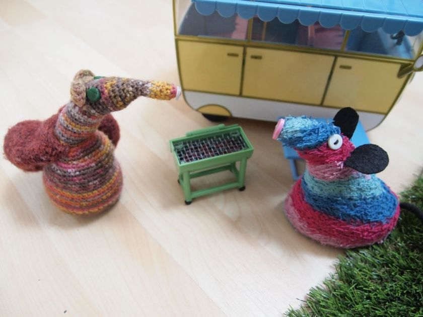 Esther shows Ratvaark a little barbecue